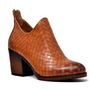 Shoes - Woven Zipper bootie